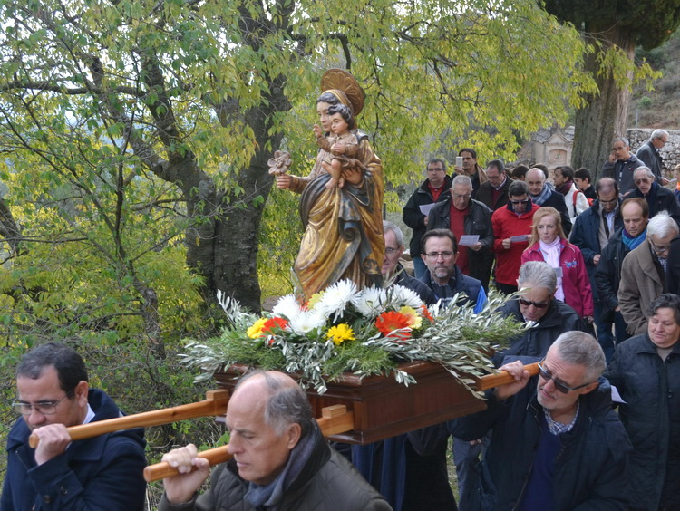 - The Virgin of the Roser of Pallerols in procession to the celebration of the Encounter of the Rose